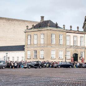 Prins Henriks båre ankommer til Amalienborg, Prins Henrik
